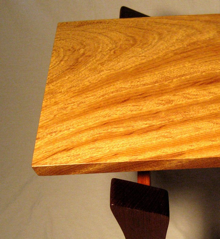 Modern Bench - Brazilian Oak - detail