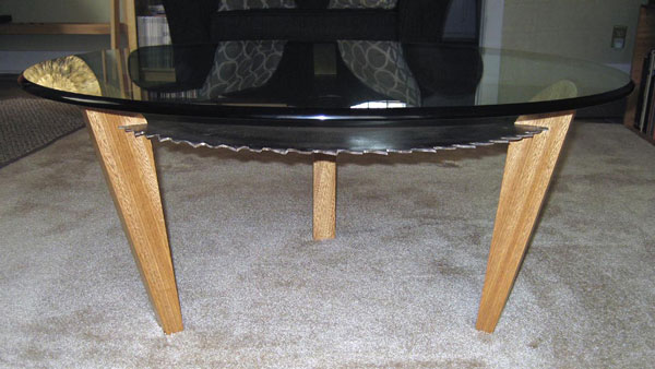 Sawfee Table - side view